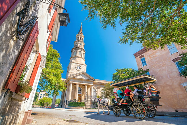 Carriage tour downtown charleston