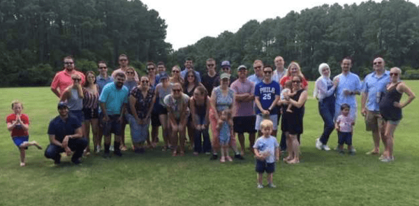 group picture of everyone that attended the neurology welcome picnic