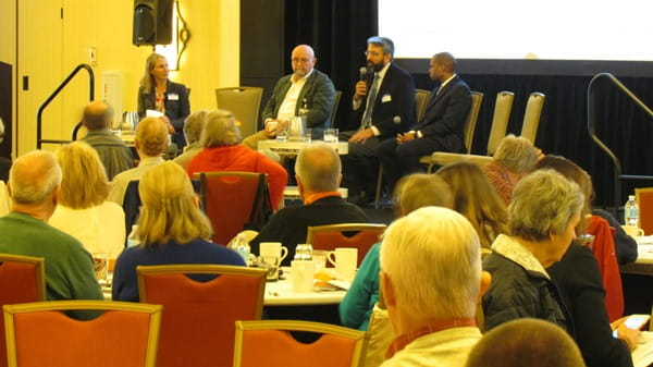 Dr. Hinson panel discussion with Dr. Takacs, Dr. Revuelta, and Dr. Rowland.