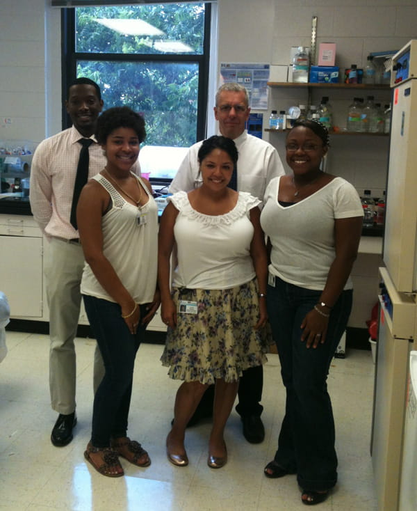 From left to right: Dion Foster (masters student), Deidre White (SURP student) Lourdes Nogueira, David Turner and Sylvia Bridges