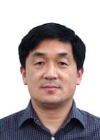 Headshot of Dr. Wang